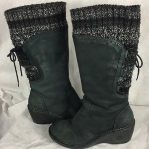 UGG SKYLAIR winter leather boot size 8